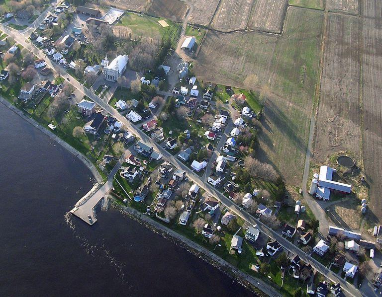 1200px-Champlain(Quebec)